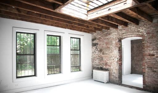 Secret Alley Carriage House in Bedford-Stuyvesant, Brooklyn, NY | Peerspace