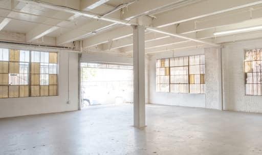 4000 sqft Industrial Studio with Multiple Rooms in South Los Angeles, Los Angeles, CA | Peerspace