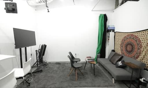 Creative Studio in Culver City Artistic Community in Sunkist Park, Culver City, CA | Peerspace