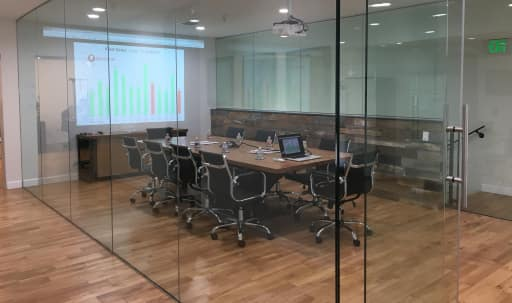 Spacious Conference Room for 10 in Crenshaw, Los Angeles, CA | Peerspace