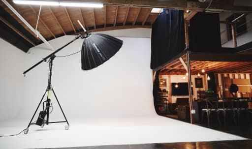 W Hollywood Photography Film Studio in Fairfax, Los Angeles, CA | Peerspace