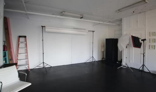 Daylight Photo Studio in Central LA, Los Angeles, CA | Peerspace