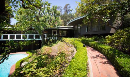 Stunning mid-century modern hills home in Brentwood, Los Angeles, CA | Peerspace