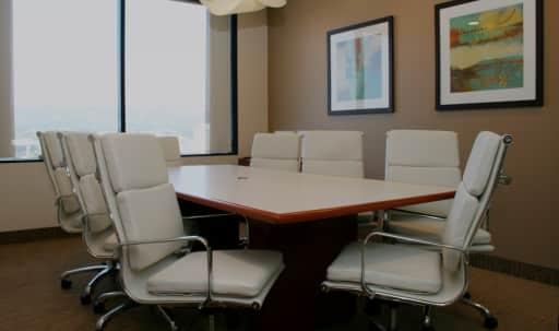 Medium Conference Room in Brentwood in Brentwood, Los Angeles, CA | Peerspace