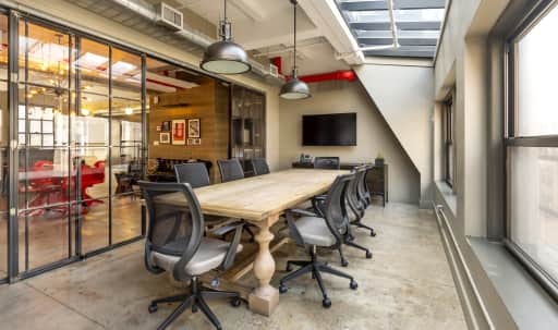 Conference Room with Sky Light in Midtown, New York, NY | Peerspace