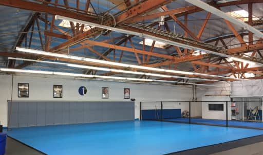 Beautiful open space warehouse with high wooden strucutre beams with great natural light. in Northeast Los Angeles, EagleRock/GlasselPark, CA | Peerspace