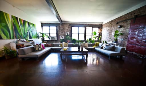 Spacious and Quiet Four Bedroom 4000 sq ft Furnished Industrial Loft in Clinton Hill, Brooklyn, NY | Peerspace