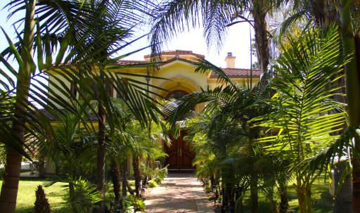 French Style Mansion in Sherman Oaks, Sherman Oaks, CA   Peerspace