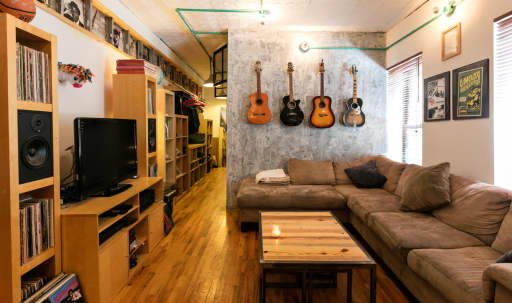 Custom Renovated Brooklyn Studio w/ Amazing Kitchen and Converted Brick Garage - Dining Events, Supper Clubs, Live Music, DJs, Dance Parties, Karaoke, etc. in Boerum Hill, Brooklyn, NY | Peerspace