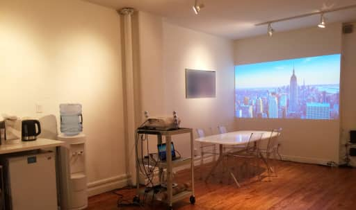 Flatiron Loft Studio : Conference Room / Business Meeting, Event / Workshop Space in Midtown, New York, NY | Peerspace