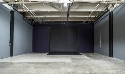 Spacious Photo Studio with Production Office in South Los Angeles, Los Angeles, CA | Peerspace