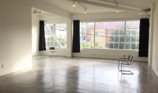 FREE pro flash and grip gear photo studio in Mission District, San Francisco, CA | Peerspace