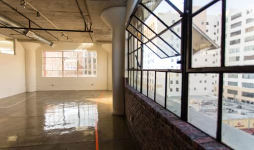 Bright & Industrial Top Floor Downtown Loft in Central LA, Los Angeles, CA | Peerspace