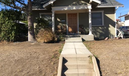 Cute Craftsman Home 2 Bedroom in Mariposa, Glendale, CA | Peerspace