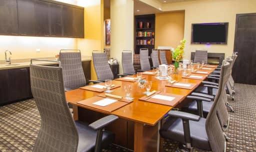 A Modern City Meeting Room Space in Tenderloin, San Francisco, CA | Peerspace