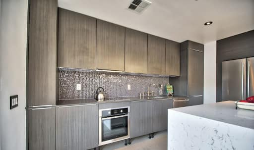 Bright and Modern Trendsetter in Central LA, West Hollywood, CA | Peerspace