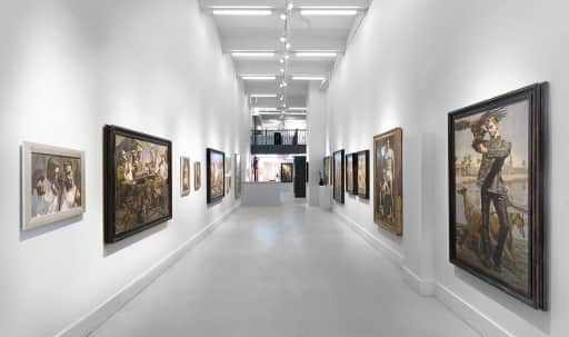 Airy storefront gallery in Chelsea in Midtown, New York, NY | Peerspace