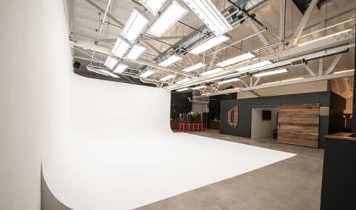 Spacious Modern Photography Studio in Lucerne - Higuera, Culver City, CA | Peerspace