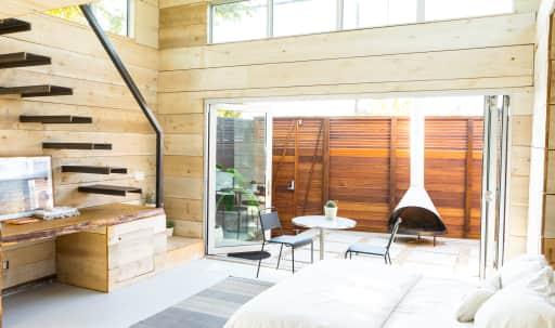 Modern Beach Cabin, Great Lighting & Design Details in Mar Vista, Los Angeles, CA | Peerspace