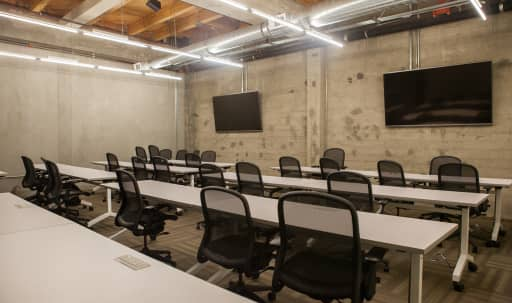 Spacious Classrooms in Downtown Tech School in South of Market, San Francisco, CA | Peerspace