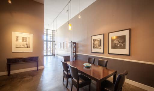 Spacious Fine Art Photography Studio in Silver Terrace, San Francisco, CA | Peerspace