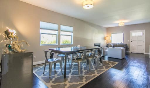Mid Town Modern with private staging courtyard and great parking in Central LA, Los Angeles, CA | Peerspace