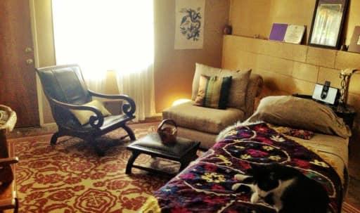 Eagle Rock/Glendale quiet residential therapist's office in Northeast Los Angeles, Los Angeles, CA | Peerspace
