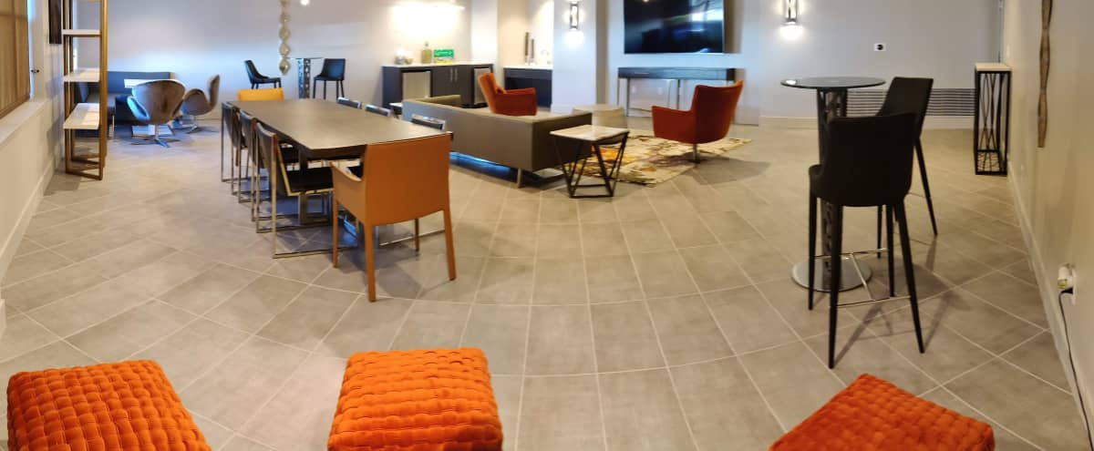 Bright Executive Lounge in Towson in Towson Hero Image in undefined, Towson, MD