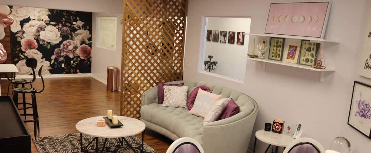 Feminine Salon Studio Space in Las Vegas Hero Image in Rancho Oakey, Las Vegas, NV