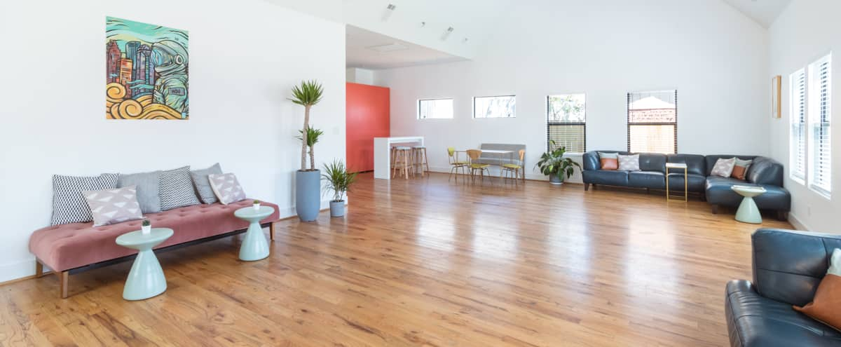 Loft Style Natural Light Studio - Centrally Located - Houston in Houston Hero Image in Greater Eastwood, Houston, TX