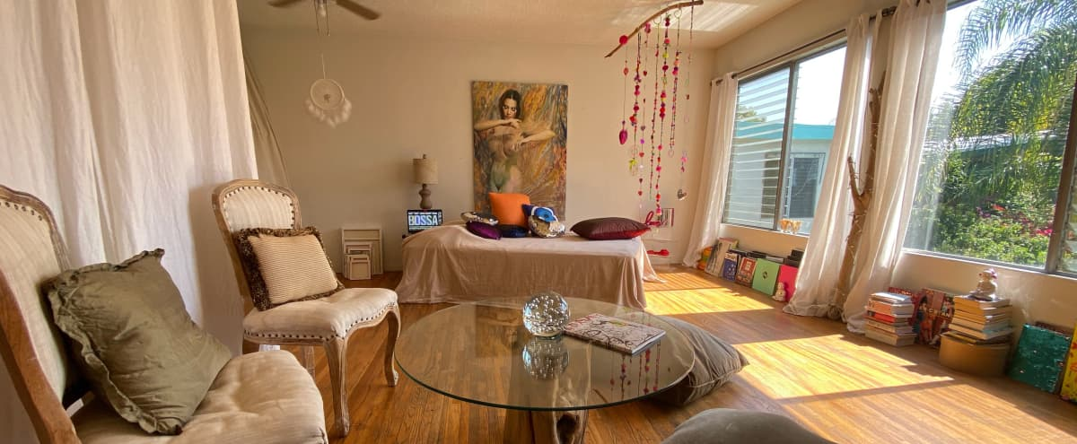 Bright Artsy Bohemian Chic 1br in the Historic Spaulding Square in Los Angeles Hero Image in Hollywood, Los Angeles, CA