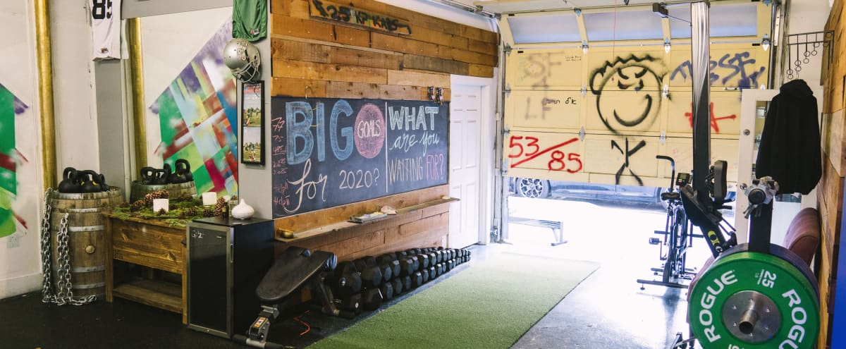 Bright/Art and Culture Vibes Garage Gym located in SOMA in San Francisco Hero Image in South Beach, San Francisco, CA