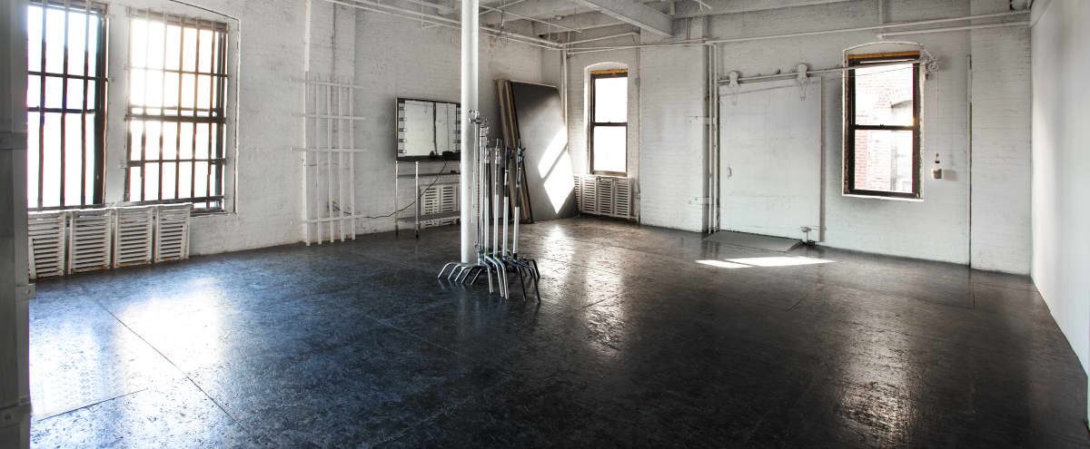 Industrial Studio in Long Island City in Long Island City Hero Image in Long Island City, Long Island City, NY