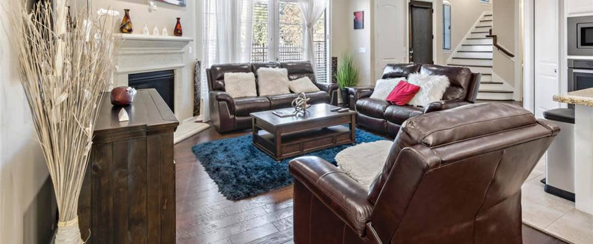 Spacious City Centre Area Townhome in Houston Hero Image in Briarforest, Houston, TX