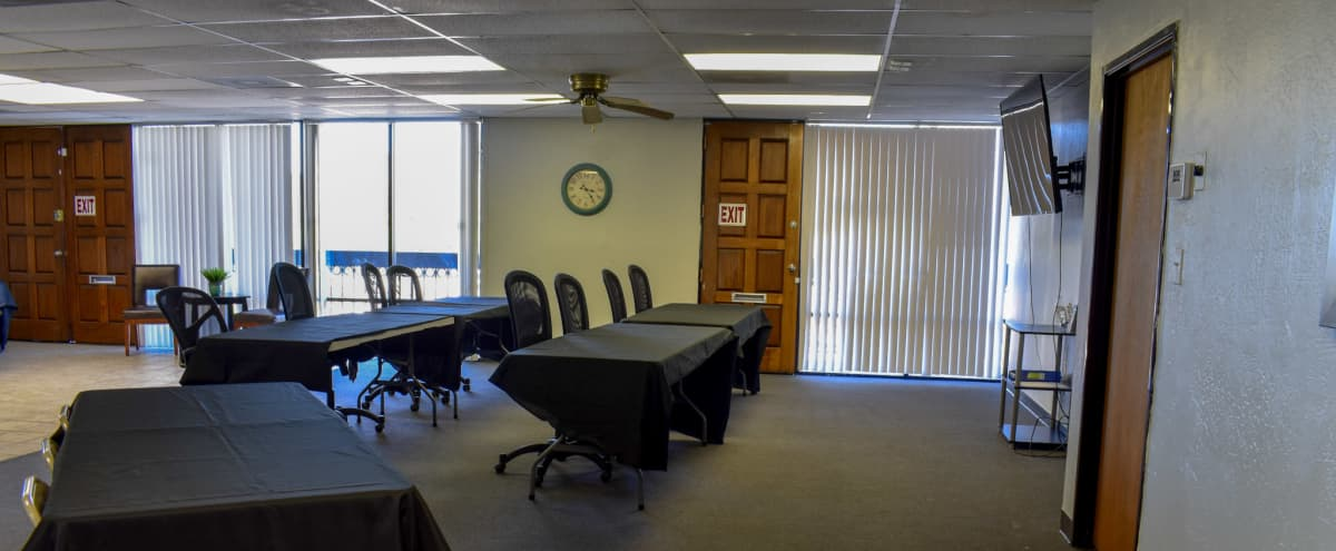Rustic Meeting Space with Mountain View in Phoenix Hero Image in Highpoint Registry, Phoenix, AZ