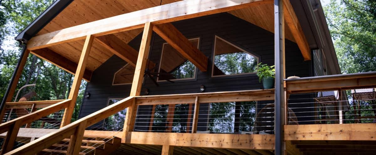 Lakefront Cabin in the Woods on 5 acres in Hartsville Hero Image in undefined, Hartsville, TN