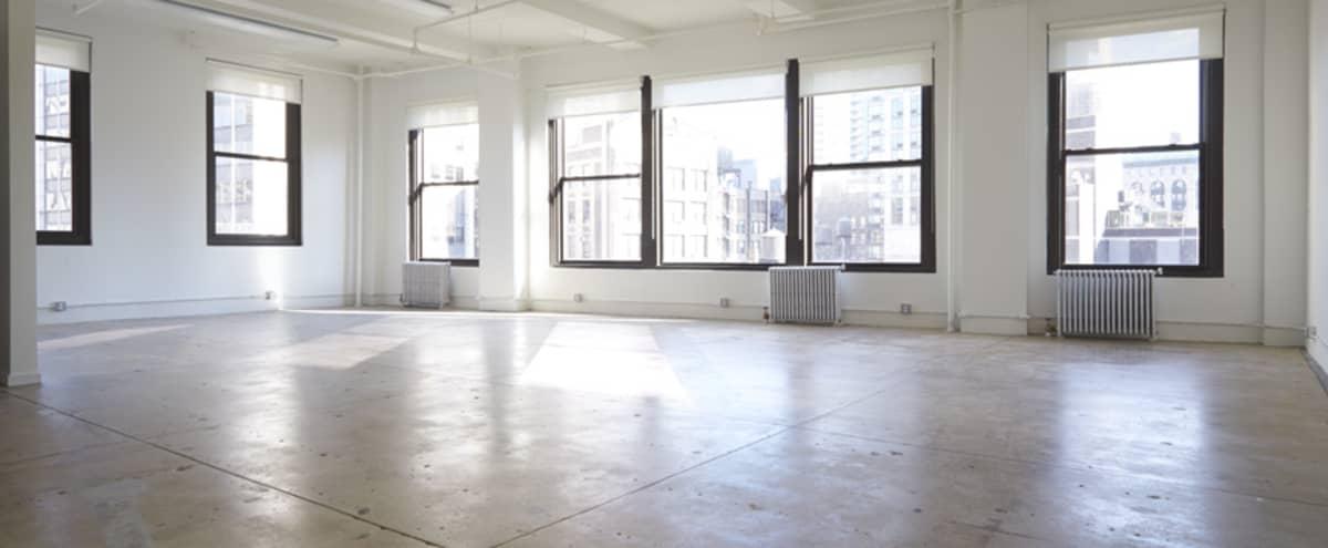 Spacious Daylight Studio in Heart of Midtown in New York Hero Image in Midtown Manhattan, New York, NY