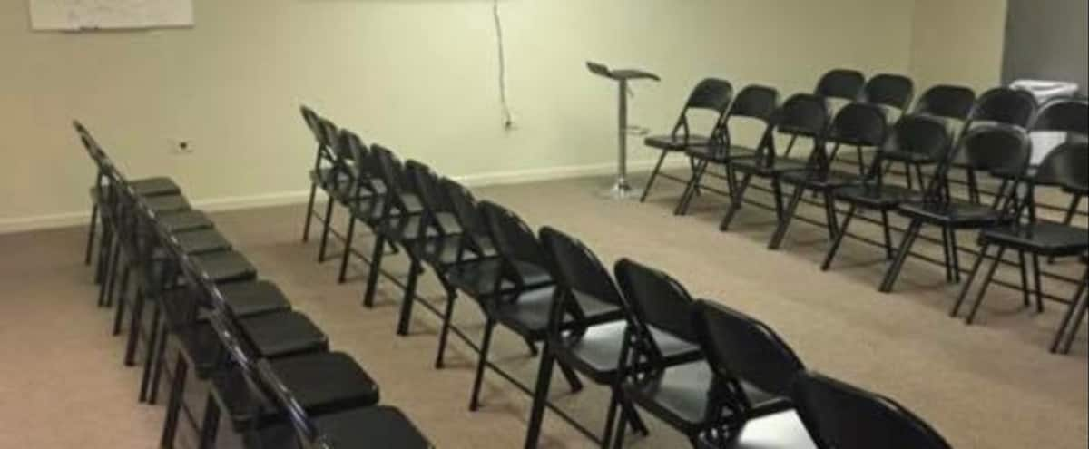 East Beverly meeting, training room, multipurpose, plenty of seating and private parking in Chicago Hero Image in Morgan Park, Chicago, IL