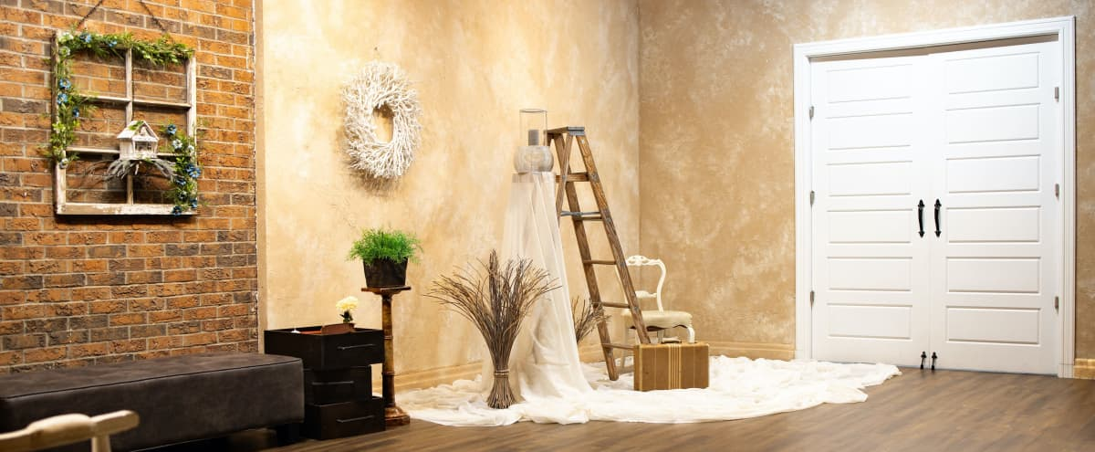 Rustic Photo Studio w/ Exposed Brick in Mississauga Hero Image in undefined, Mississauga, ON
