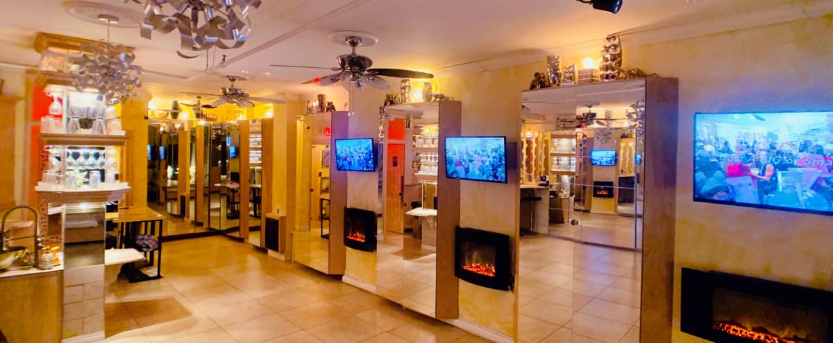 Cozy Social Event Lounge Space in New York Hero Image in Upper Manhattan, New York, NY