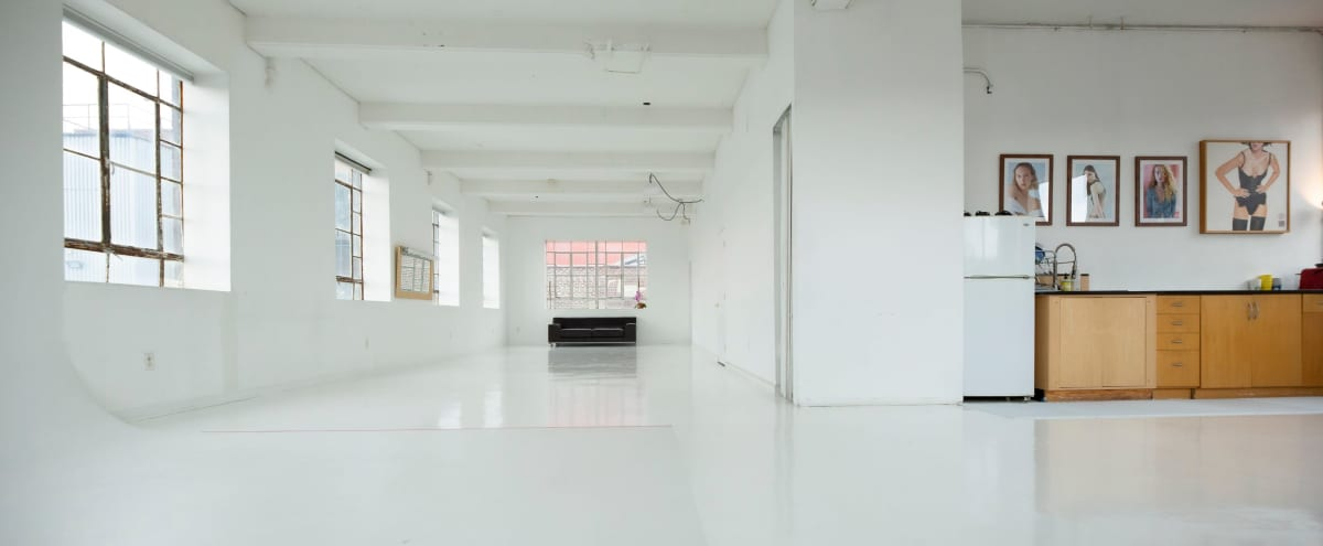 Big, White Photo Studio 1900 ft / Daylight & strobe in Brooklyn Hero Image in Gowanus, Brooklyn, NY
