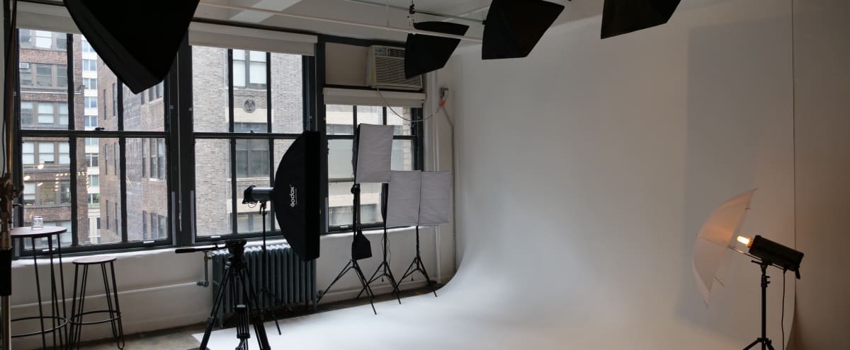 Midtown Manhattan Photo Studio with Cyclorama & 4K Video Wall in New York Hero Image in Midtown Manhattan, New York, NY