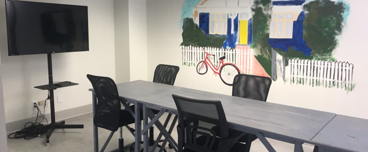 Collaborative Meeting Space in Artsy East Point Gallery in East Point Hero Image in Downtown, East Point, GA