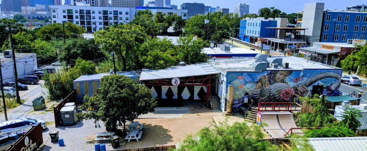 HUGE 6th St Roofdeck Event Space with Skyline View in Austin Hero Image in East Cesar Chavez, Austin, TX