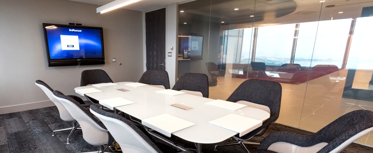 Lake Views for 8 People – Meeting Room on Michigan Avenue (Loop) in Chicago Hero Image in Chicago Loop, Chicago, IL