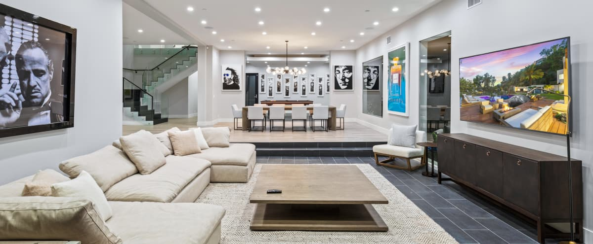 Large & Open Bright Modern Home W View in Los Angeles Hero Image in Miracle Mile, Los Angeles, CA