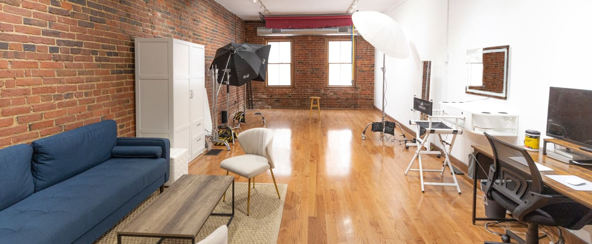 Downtown Spacious Modern Natural Light Studio in Alexandria Hero Image in Old Town, Alexandria, VA