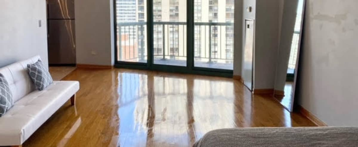 Downtown Apartment with Beautiful City View in Chicago Hero Image in Near North Side, Chicago, IL