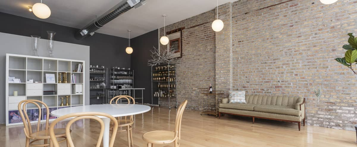 Modern Studio Space for Small Gatherings in Pilsen in Chicago Hero Image in Lower West Side, Chicago, IL