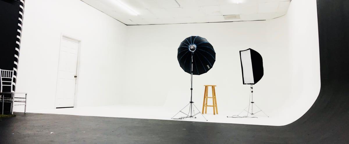 24 Hour Photo & Video Multi-Purpose Studio Space in atlanta Hero Image in undefined, atlanta, GA